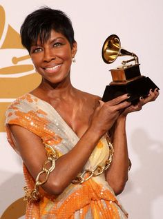 Natalie Cole poses in the press room during the 51st Annual Grammy Awards held at the Staples Center on February 8, 2009 in Los Angeles, California.