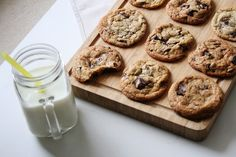 JulieCharlie: Original American Chocolate Chip Cookies