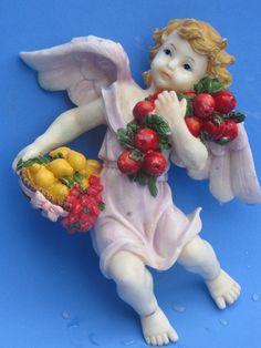 .:: MUNDO ARTESANAL- Productos ::. Angel Ornaments, Christmas Ornaments, Tall Christmas Trees, Cupid, Holiday Decor, Cherubs, Garden, Vintage, The World