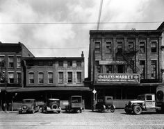 1930s Louisville Kentucky, looks like Market St.