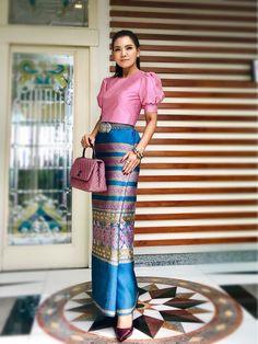 Traditional Thai Clothing, Traditional Dresses Designs, Myanmar Traditional Dress, Traditional Outfits, Batik Dress, Silk Dress, Modern Filipiniana Gown, Thai Fashion, Women's Fashion