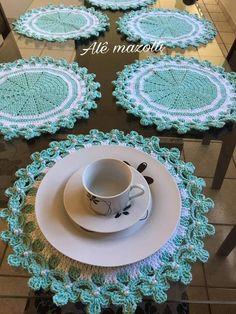 Easy Crochet Hat, Crochet Mat, Crochet Flower Tutorial, Crochet Doilies, Crochet Flowers, Knitting Patterns, Crochet Patterns, Crochet Table Runner, Crochet Designs