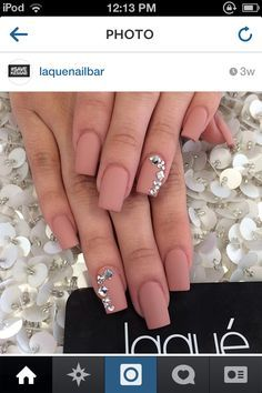 """If you're unfamiliar with nail trends and you hear the words """"coffin nails,"""" what comes to mind? It's not nails with coffins drawn on them. It's long nails with a square tip, and the look has. Gorgeous Nails, Love Nails, Fun Nails, Laque Nail Bar, Matte Nail Polish, Gold Polish, Matte Pink Nails, White Polish, Super Nails"""
