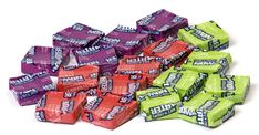 Do you know what Halloween candy people were obsessed with the year you were born? Top Candy, Candy Corn, What Is Halloween, Halloween Candy, Candy People, Popular Candy, Cinnamon Candy, Mike And Ike, Sugar Consumption