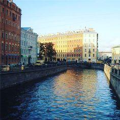 Just a common canal in #stpetersburg #санктпетербург #питер #спб #piter #spb #vsco #vscorussia