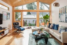 Berkeley bungalow with a light-filled living room