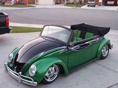 Green & black volkswagen bug °~°