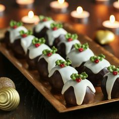 This festive Christmas Pudding Cake Pops Recipe is really delicious and a great treat to share with friends and family over the Christmas period.