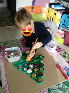 Lego Christmas Tree, Easy Christmas Crafts, Simple Christmas, Christmas Themes, Xmas, Winter Crafts For Kids, Winter Kids, Winter Holidays, Bubble Wrap Art
