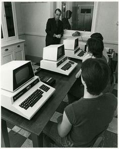 Commodore PET 4032monochrome-monitor:Coherent Medical Commodore PET ...