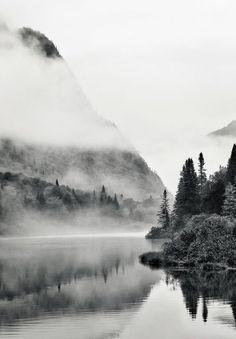 Black and white mountain side, river fog | photography black & white . Schwarz-Weiß-Fotografie . photographie noir et blanc |