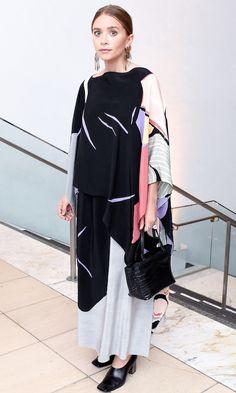 Olsens Anonymous Blog Stye Fashion Ashley Olsen Twins Hammer Museum Gala In The Garden Layered Silk Print Dress Croc Bag Heels