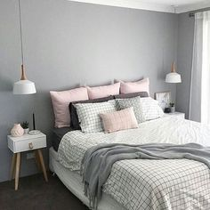 Scandinavian Bedroom Design Scandinavian style is one of the most popular styles of interior design. Although it will work in any room, especially well . Pretty Bedroom, Dream Bedroom, Home Bedroom, Bedroom Decor, Master Bedroom, Grey Wall Bedroom, Modern Bedroom, Light Gray Bedroom, Nordic Bedroom