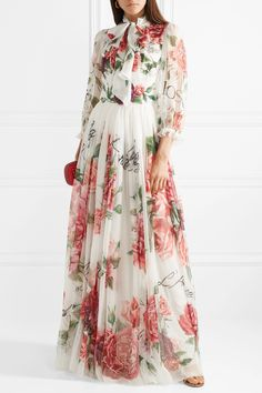 Dolce & Gabbana - Pussy-bow floral-print silk-chiffon gown Fashion Elegant Dress Evening Of Entertainment Summer New 1056027 Floral Dress Outfits, Floral Maxi Dress, Fashion Dresses, Chiffon Maxi Dress, Silk Chiffon, Designer Gowns, Stylish Dresses, Beautiful Dresses, Boho Fashion