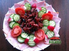 Aperitive reci - idei de platouri aperitive Food Design, Food Art, Cobb Salad, Veggies, Appetizers, Snacks, Christmas, Anna, Salads
