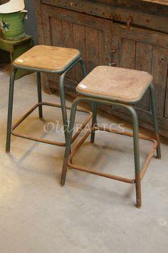 Www.old-basics.nl -webshop Banken en stoelen - Landelijke klepbanken houten banken stoelen krukjes eetkamerstoelen - Old-BASICS .