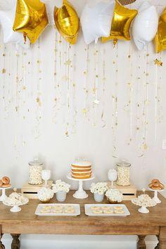 Fiesta de estrellas Dorada y Blanca. // Twinkle, Twinkle Little Star Party Shower Party, Baby Shower Parties, Baby Shower Themes, Baby Shower Decorations, Shower Ideas, Bridal Shower, Shower Games, Balloon Table Decorations, Balloon Ideas