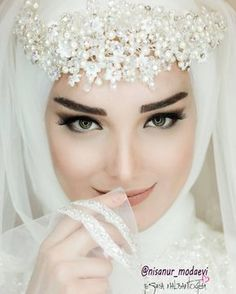 Beautiful makeup for wedding Wedding Abaya, Hijabi Wedding, Wedding Hijab Styles, Muslimah Wedding Dress, Muslim Wedding Dresses, Muslim Brides, Wedding Poses, Bridal Dresses, Wedding Ideas