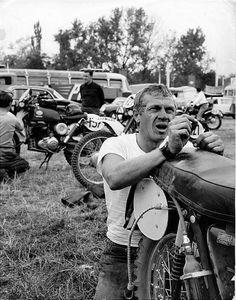 Steve Mcqueen six days enduro Enduro Vintage, Motos Vintage, Harley Davidson, Triumph Motorcycles, Vintage Motorcycles, Custom Motorcycles, Vintage Bikes, Valentino Rossi, Steve Mcqueen Motorcycle