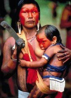 Inspiring mom picture of a Kayapo woman and her child in Brazil