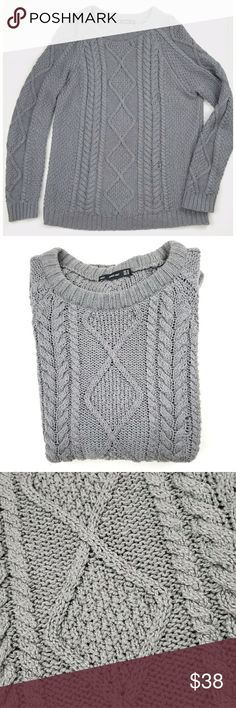 Zara Gray Cable Knit Sweater Zara Knit, gray, cable knit style, has pulling as pictured, otherwise in great condition, size medium. Zara Sweaters