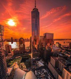 This is one beautiful shot of the Big Apple! #NYC #NewYork #Manhattan