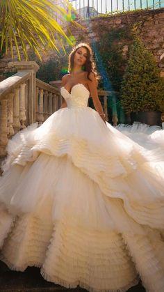 Fancy Wedding Dresses, Pretty Quinceanera Dresses, Pretty Prom Dresses, Princess Wedding Dresses, Bridal Dresses, Wedding Gowns, Layered Wedding Dresses, Different Color Wedding Dresses, Ballgown Wedding Dress