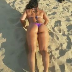 🔥HAPPY HUMP DAY 🐫🐫BEACH PUSH-UPS💪💪🔥 @natkhalife 💕💥 🔥🔥🔥🔥🔥🔥💥🔥🔥 There's always time for push ups 😏💪. 🔥🔥🔥🔥🔥🔥🔥🔥🔥🔥 #legs #fit #flex #6pack #fitness #abs #fitgirl #fitchicks #fitnessmotivation #fitnessgirl #quads #weightloss #weightlifting #bodybuilding #squatvideos #grind #leggings #gym #gymlife #bootygainz #gymmotivation #bootyworkout #deadlift #squat #squats #strength #gainz #glutes #shredded #exercise