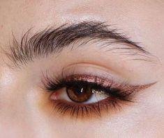 Copper eye make-up, winged eyeliner, natural brows, # eyes . Makeup Goals, Makeup Inspo, Makeup Tips, Beauty Makeup, Hair Beauty, Makeup Ideas, Makeup Style, Makeup Tutorials, Makeup Products