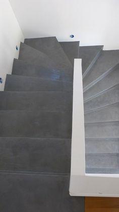escalier béton ciré flanelle