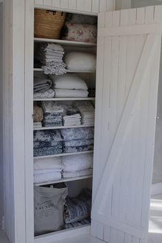 gorgeous attic closet organizers to get unique look page 13 Linen Cupboard, Attic Closet, Compact Living, Interior Decorating, Interior Design, Cottage Style, Home Organization, Farmhouse Decor, Sweet Home