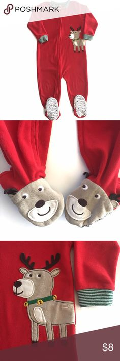 Carters Christmas Fleece Pajama This festive footed sleeper will keep you toddler cozy and warm during the Christmas season.  It's reindeer design is great for either boy or girl.  EUC Carter's Pajamas