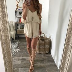 This outfit looks so cute with these gladiator sandals! Hippie Style, My Style, Club Style, Boho Fashion, Fashion Outfits, Womens Fashion, Club Fashion, 1950s Fashion, Gladiator Sandals Outfit