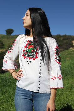 Classic Mexican! Mexican Hand Embroidered Peasant Blouse. Bell Sleeves Adjustable Tie around Neckline Slightly Sheer Gauzy Natural Cotton Great Summer Blouse! Very Pretty Vintage Bohemian Piece Circa