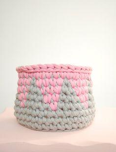 Crochet Basket Tshirt  Zpagetti Yarn in Grey with by DeliriumDecor, $23.00
