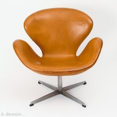 Swan Lounge Chair by Arne Jacobsen for Fritz Hansen