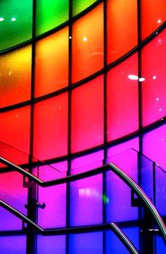 Rainbow illuminated glass color  (¯`'•.¸de l'arc-en-ciel¸.•'´¯)