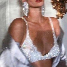 - Forman im Pariser Stil Boujee Aesthetic, Bad Girl Aesthetic, Aesthetic Collage, Aesthetic Vintage, Aesthetic Photo, Aesthetic Pictures, Look 80s, Mode Collage, Mode Poster