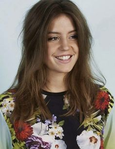 Adele Exarchopoulos is a French actress,She was born in Paris,France.she looks beautiful intelligent actress. Adele Pictures, Adele Photos, Lea Seydoux Adele, Most Beautiful Women, Beautiful People, Adele Exarchopoulos, Blue Is The Warmest Colour, European Girls, French Beauty