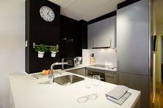 Un mini apartamento con toques en negro