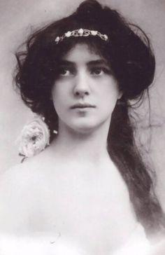 Evelyn Nesbit. beautiful.
