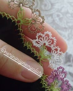 #oya #örnek #yemeni #iplik #makas #yazma #emek #oya #inci #boncuk #oya #havlu #mavi #emek #çataloyası #iplik #igne #oya #örnek #yemeni 🌹 🌹… Needle Lace, Pedi, Crochet Clothes, Needlepoint, Crochet Baby, Tatting, Needlework, Diy And Crafts, Memorial Day