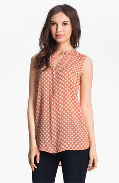 I like the idea of a printed blouse, but the pink color isn't great for my skin tone and it looks a little too long in the back Casual Outfits, Cute Outfits, Casual Wear, Work Tops, Couture, Western Outfits, Printed Blouse, Fashion Dresses, Outfit