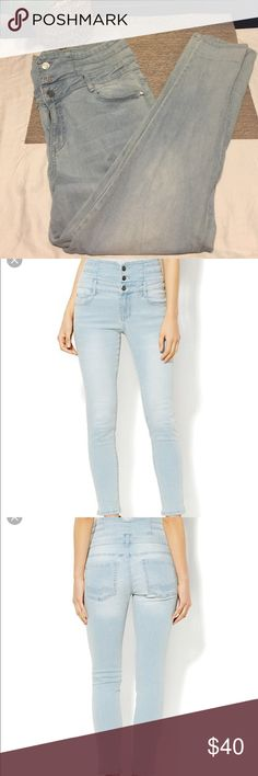 Jennifer Hudson high waste skinny jeans Light wash Jennifer Hudson high waste skinny jeans. Worn a few times great with heels for a night out. Size 14 jennifer hudson Jeans Ankle & Cropped