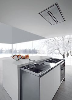 Okay, so you don't have a 4,000 sq. ft. home to put a massive modern kitchen in. But that doesn't mean you can't have a modern kitchen. Check out Met: This kitchen is for the most space-conscious homes and apartments.