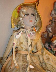 Antique French boudoir Doll / Poupée by FashionanticVintage