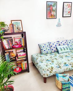 indian home decor Good Vibes Only (SWIPE TO SEE all the pics) Its gloomy day today, not so good weather outside, wanting some good vibes and this cozy Decor Home Living Room, Home Decor Furniture, Bedroom Decor, India Home Decor, Ethnic Home Decor, Boho Decor, Indian Home Interior, Room Interior, Home Room Design