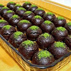 Brownies und Kekse-Rezept - Yemek Tarifleri - Resimli ve Videolu Yemek Tarifleri Brownie Recipes, Cookie Recipes, Snack Recipes, Dessert Recipes, Choco Truffle, Eat Fruit, Pie Dessert, Brownies, Turkish Recipes