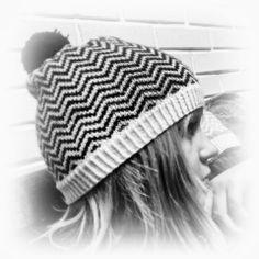 Marion R: ZigZaglue garnpakke og oppskrift Crochet Hats, Beanie, Knitting, Fashion, Knitting Hats, Moda, Tricot, Fashion Styles, Breien