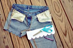 DIY Bleach Dipped Scalloped Shorts! Idk about the bleach but I reallyyyy want a pair of scalloped shorts- especially sans sewing